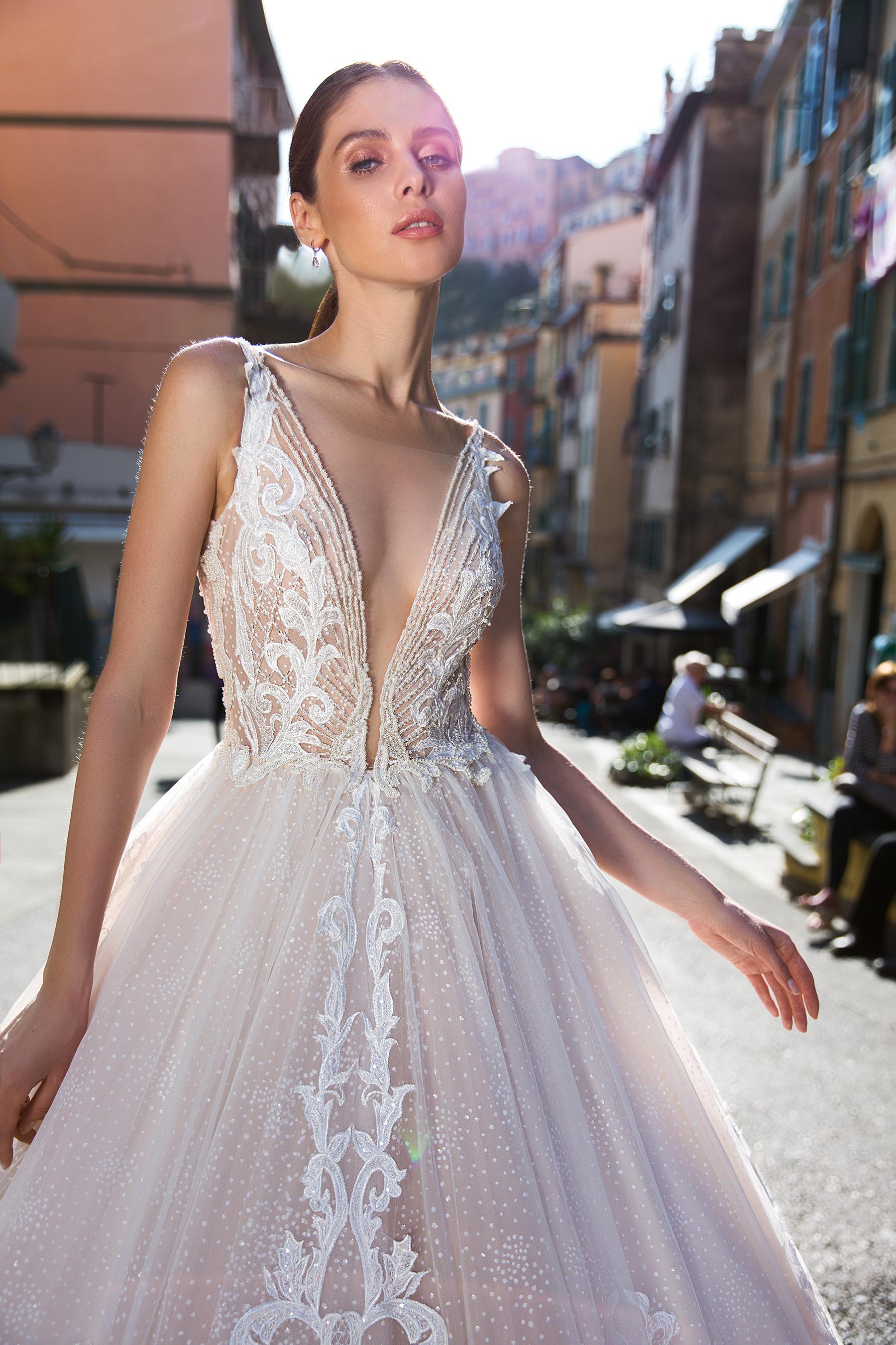 site autorizat mai ieftin online aici Rochie de mireasa printesa Lychianna - Sposa Dell Amore: Rochii de ...