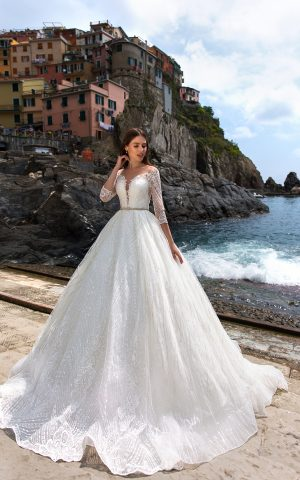 rochie de mireasa printesa bordura dantela dantela moderna decoleu spate decorat joslin sposa dell amore bucuresti