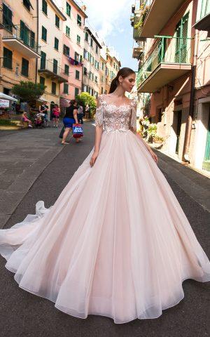 rochie de mireasa printesa dantela franjuri cristale rochie moderna lagoon sposa dell amore bucuresti