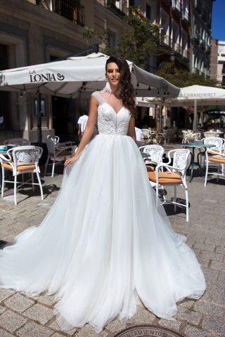 369A5069 rochie de mireasa rubena printesa cristale margelute