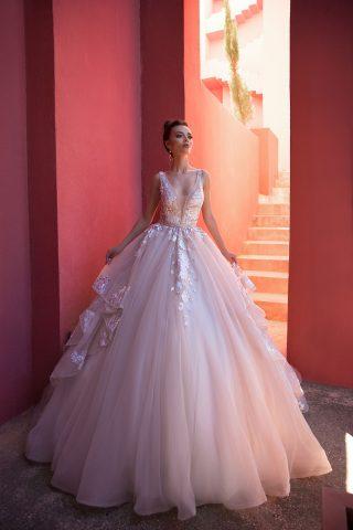rochie-de-mireasa-printesa-decolteu-adanc-2019-rochie-de-mireasa-roz-broderie-colorata-369A6767